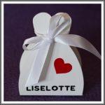Gaveæske/bordkort til brylluppet med navn og hjerte