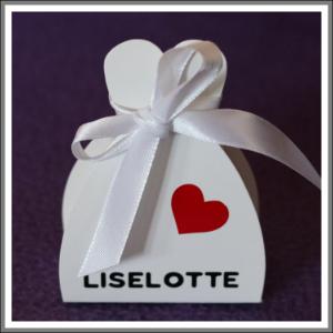 Lille gaveæske favouræske med navn og pyn til bryllup, konfirmation, barnedåb, fest