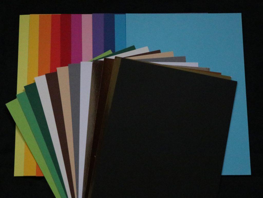 Karton farver - til bordkort, buffetskilte osv.