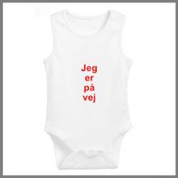 Baby bodystocking med tekst - Jeg er på vej